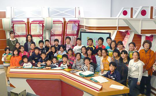 弘前市立時敏小学校5年1組のみなさん